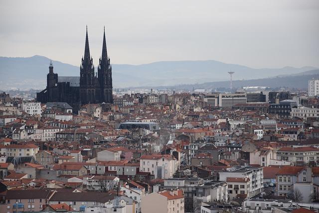 Où promener son chien à et autour de Clermont-Ferrand ?