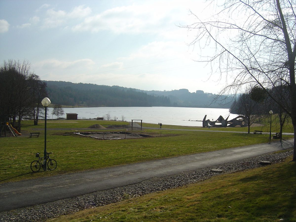 Vue du lac d'Aubusson